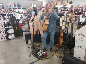12 String at Lukas Liquor
